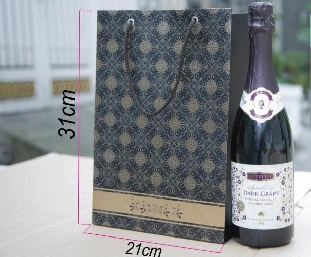 túi giấy đựng rượu thông dụng